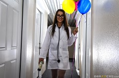 Lily Adams - Nutjob Nurse (Thumb 01)