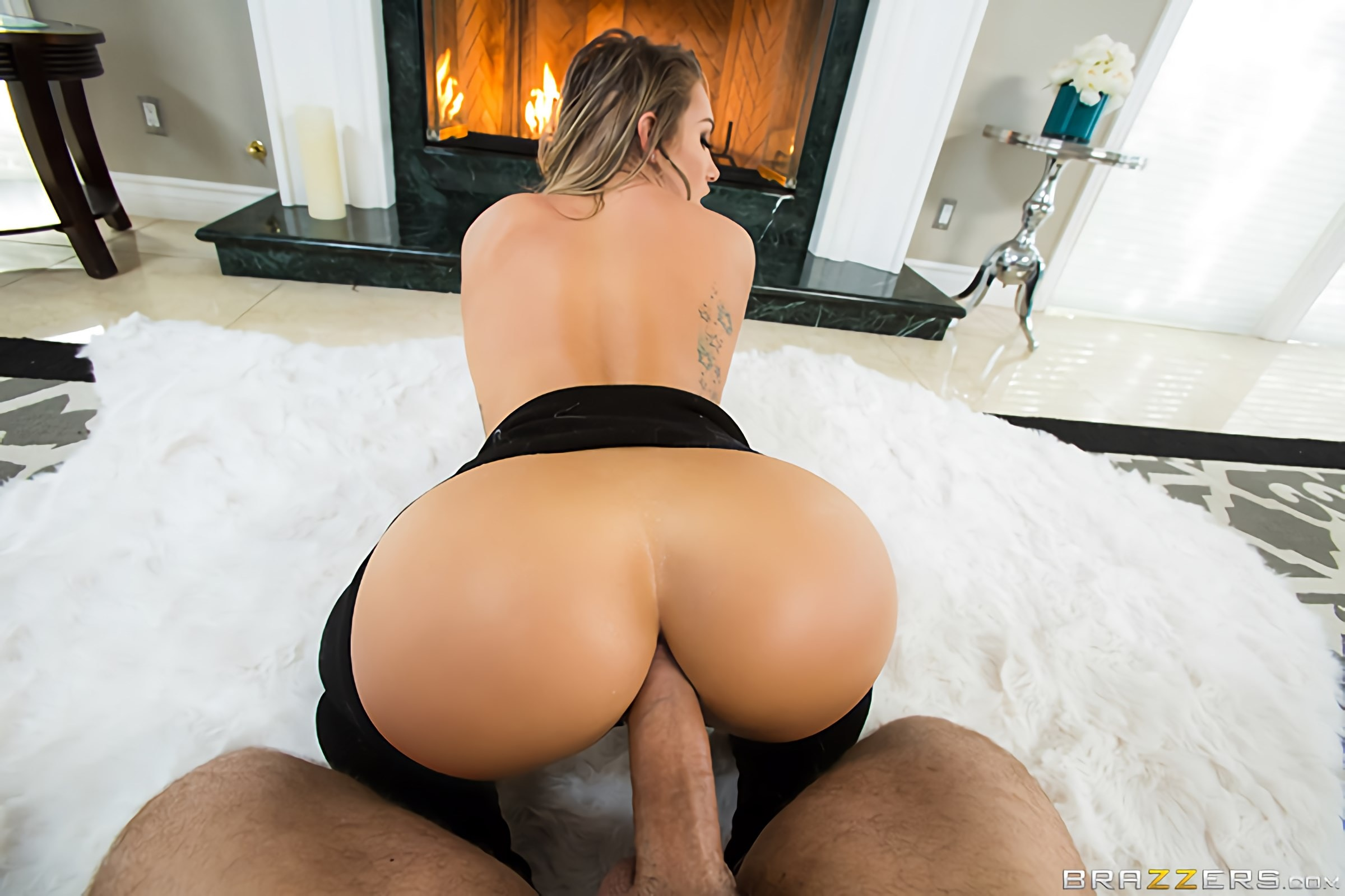 Brazzers 'Fireside Fap' starring Cali Carter (photo 4)
