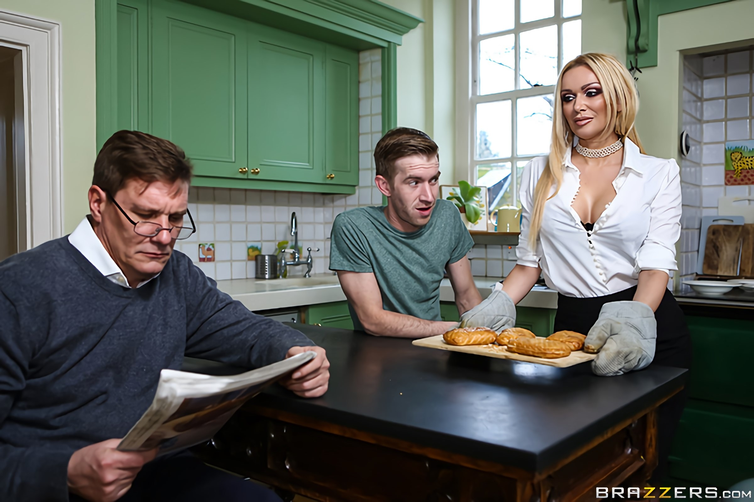 Brazzers 'What's Good For The Goose' starring Amber Jayne (photo 1)