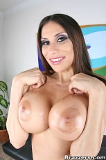 Sheila Marie - Case of The Bra Bandit (Thumb 05)