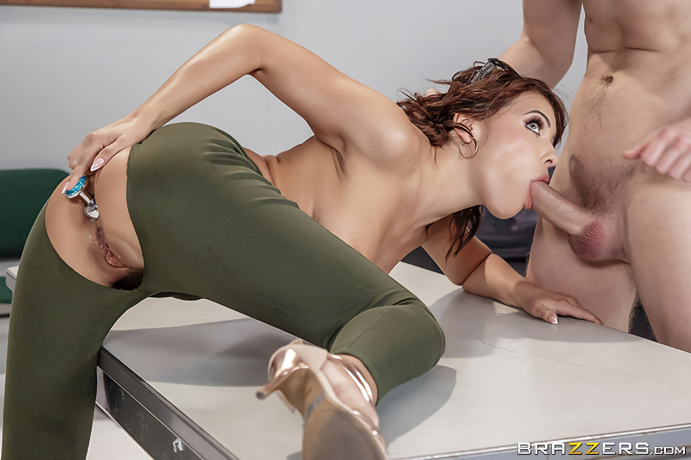 Teen amateur nude girl
