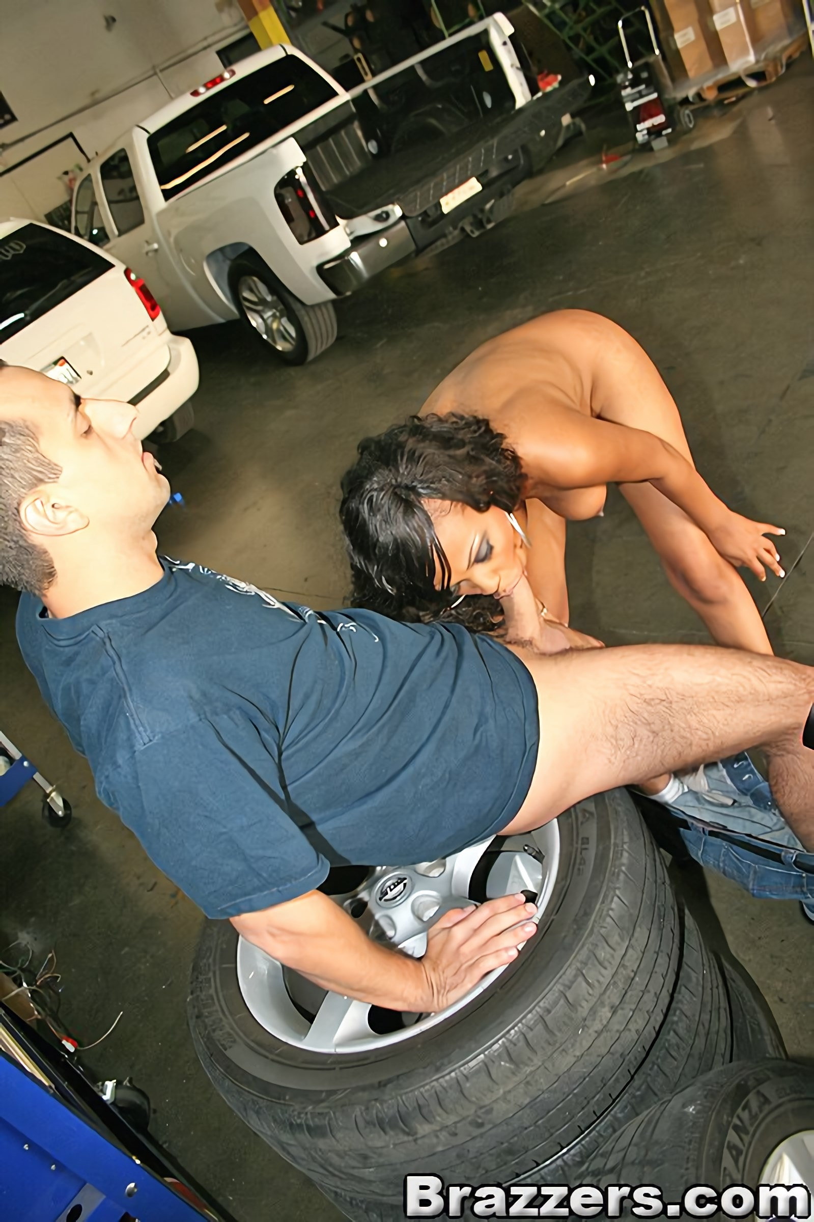 Brazzers 'Garage Sex' starring Lacey DuValle (photo 8)