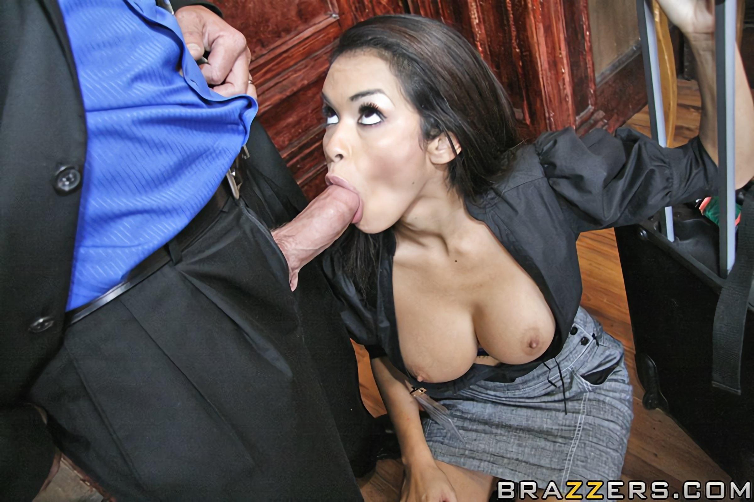 daisy marie big tits at work № 4086