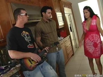 Sophia Lomeli - Virgin Fucks Mommy