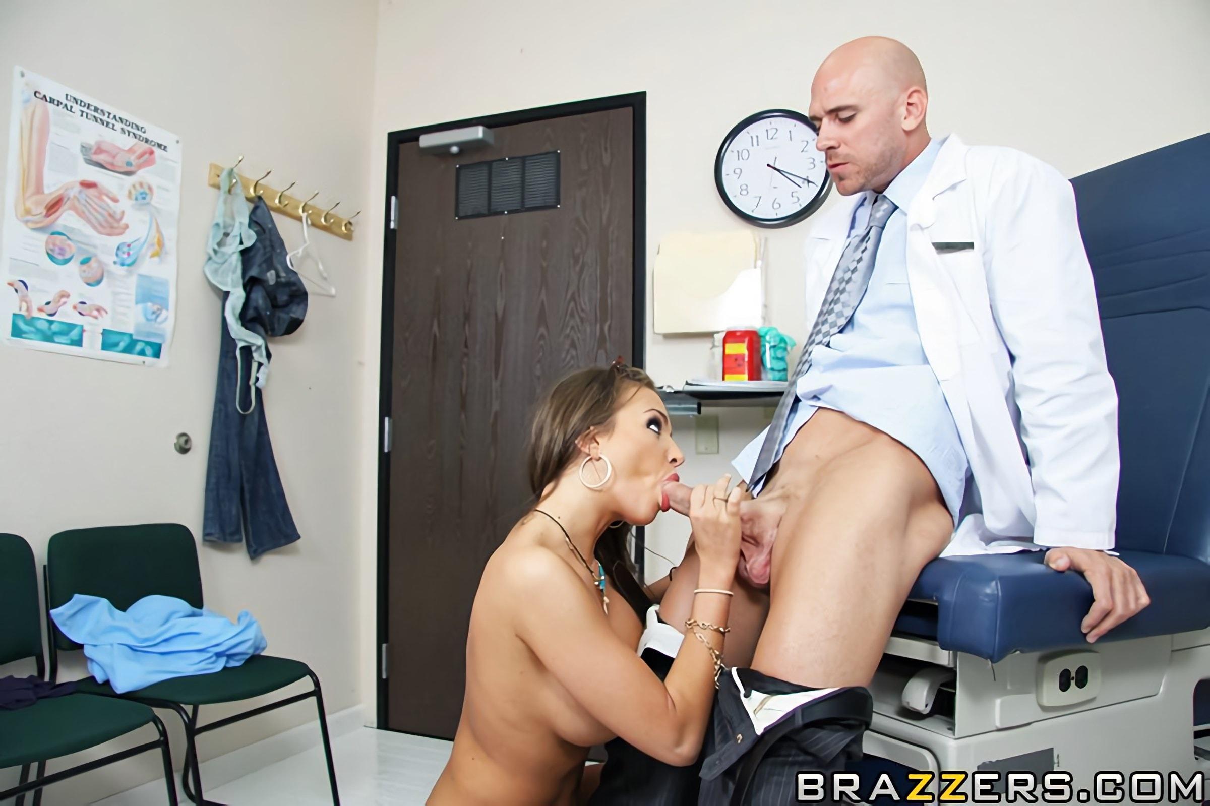 Бабу ебут под гипнозом в кабинете у врача