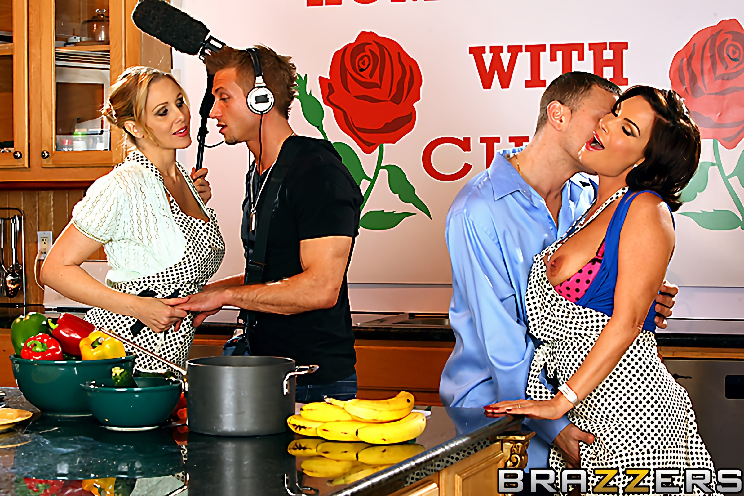 Brazzers 'Home Cooking with Cunts' starring Diamond Foxxx (photo 5)