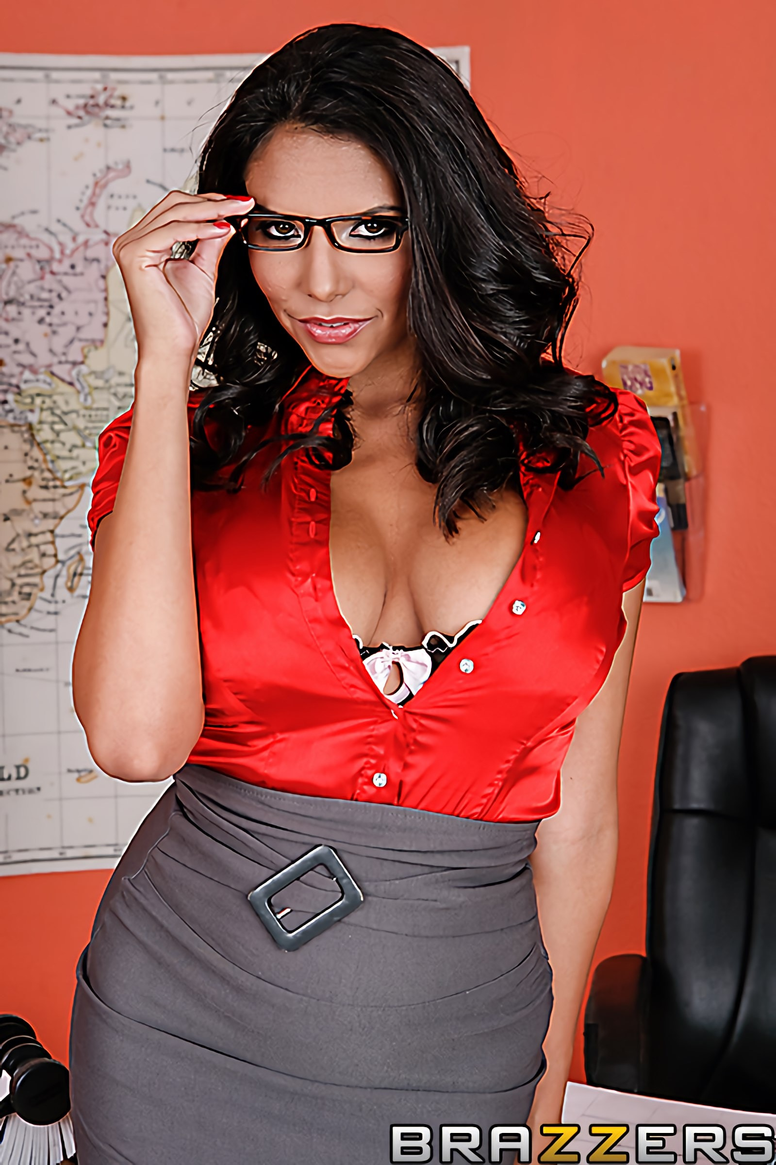 Brazzers 'Licking in the Library' starring Missy Martinez (photo 1)