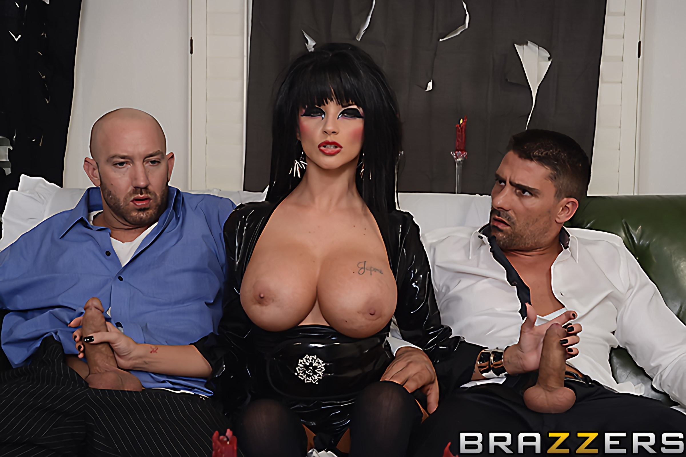 Brazzers 'Hellvira Mistress Of The Fuck' starring Joslyn James (photo 3)