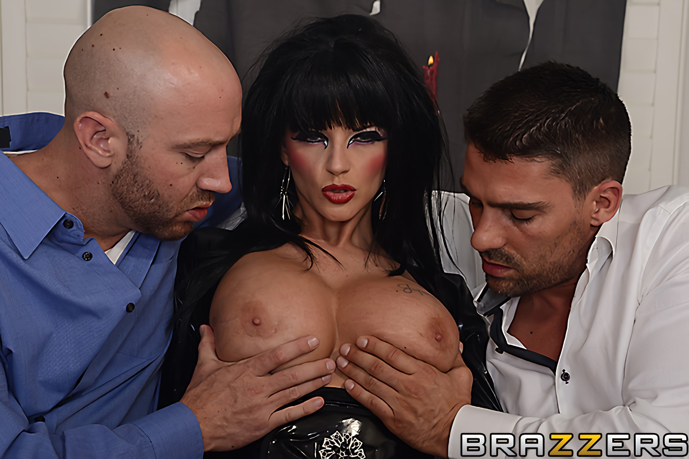 Brazzers 'Hellvira Mistress Of The Fuck' starring Joslyn James (photo 15)