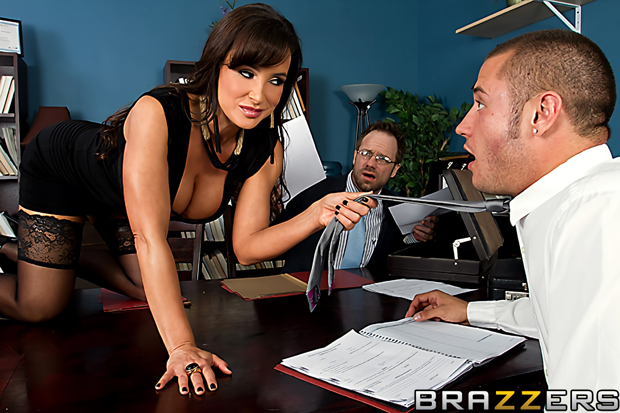 Brazzers 'Settling Out of Cunt' starring Lisa Ann (photo 2)
