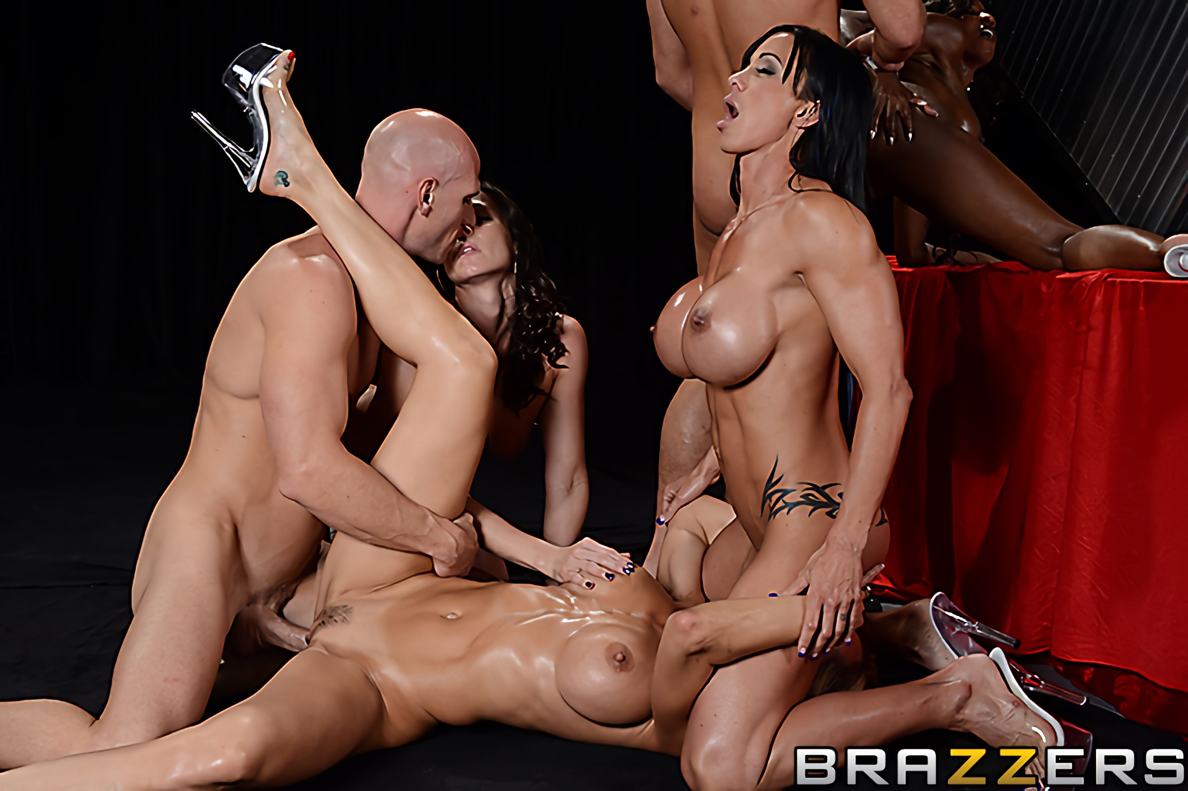 Brazzers 'Miss Titness America' starring Diamond Jackson (photo 4)
