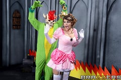 Brooklyn Chase - Laying Pipe with the Bros (Thumb 02)
