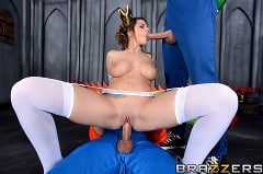 Brooklyn Chase - Laying Pipe with the Bros (Thumb 04)