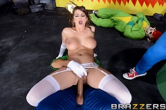 Brooklyn Chase - Laying Pipe with the Bros (Thumb 07)