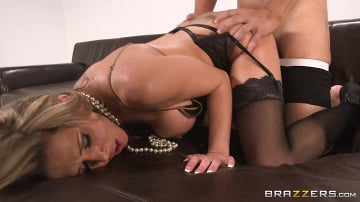 Rachel RoXXX - Hold That Shot
