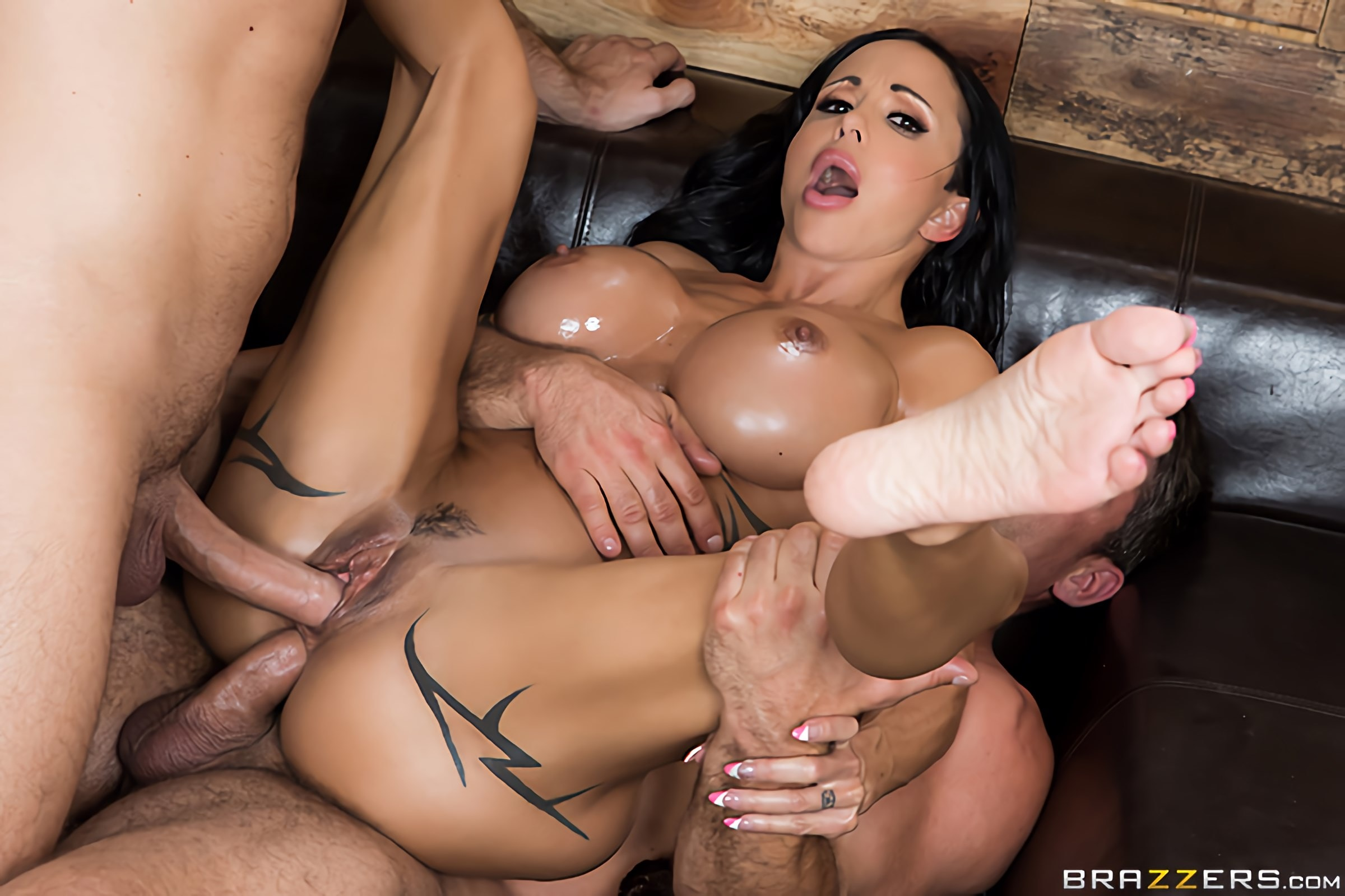 Brazzers 'My Two Fuck Boys' starring Jewels Jade (Photo 4)
