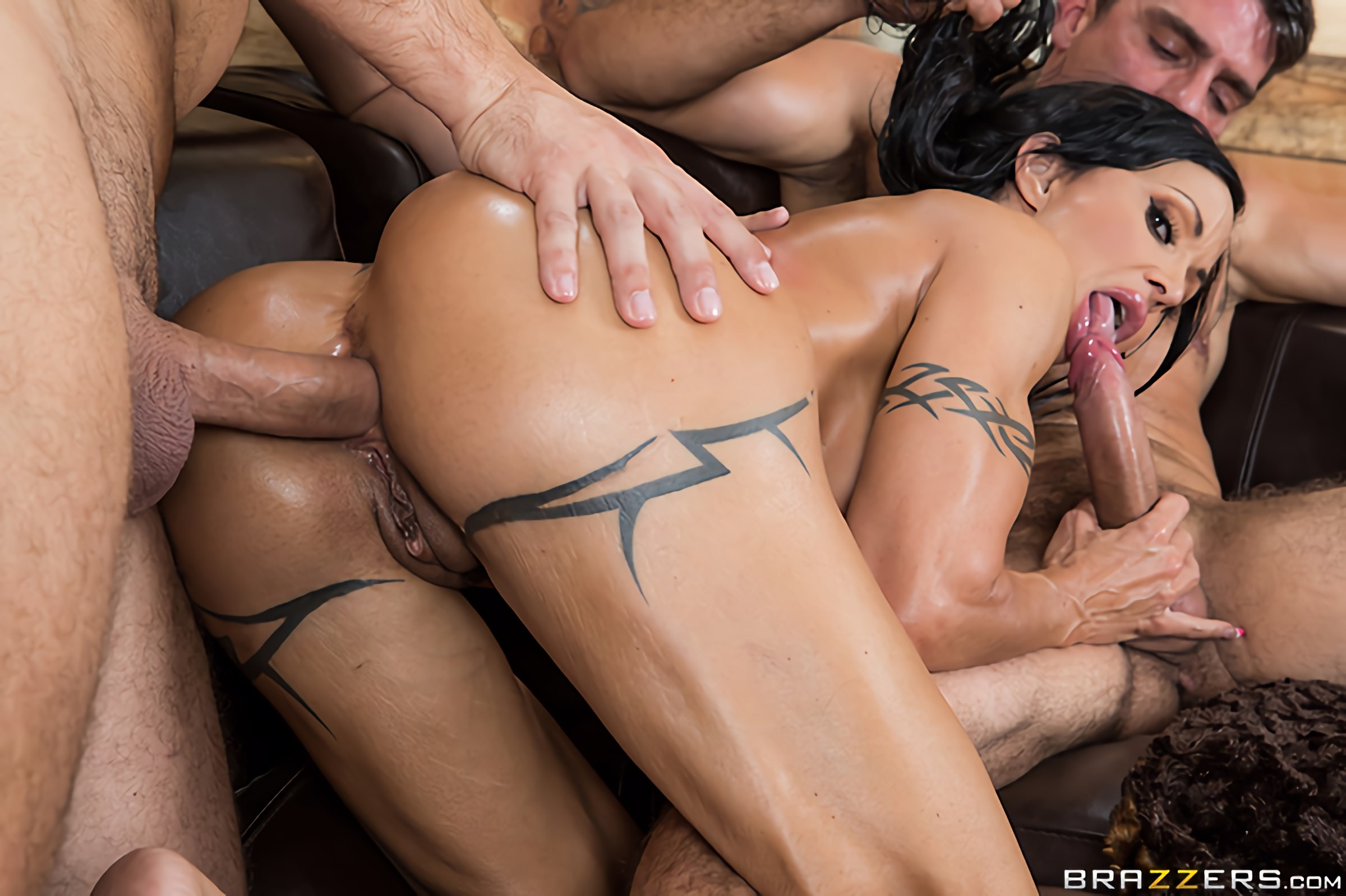 Brazzers 'My Two Fuck Boys' starring Jewels Jade (Photo 10)