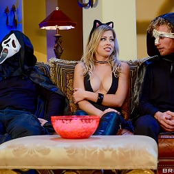 Zoey Monroe in 'Brazzers' Trick And Treat (Thumbnail 1)