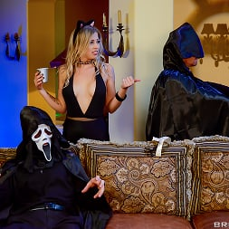 Zoey Monroe in 'Brazzers' Trick And Treat (Thumbnail 14)