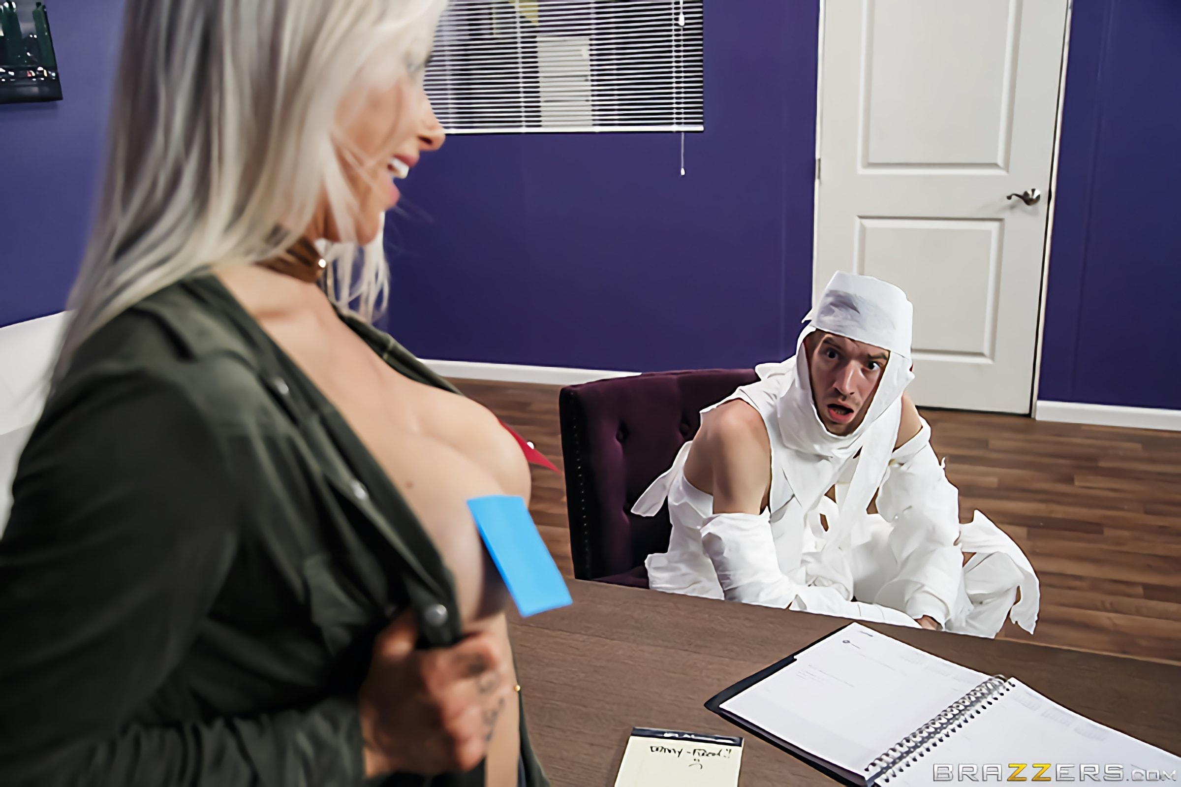 Brazzers 'The Office Mummy' starring Rachel RoXXX (Photo 6)