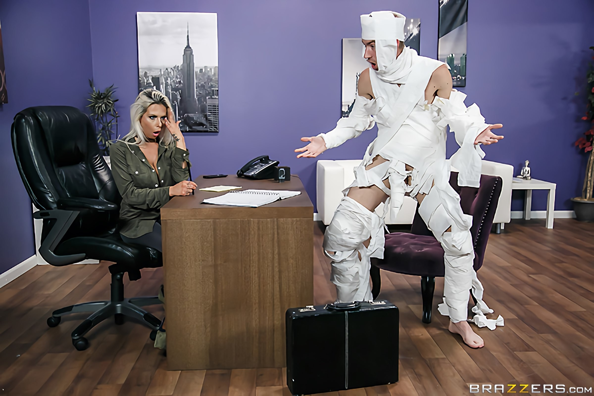 Brazzers 'The Office Mummy' starring Rachel RoXXX (Photo 10)