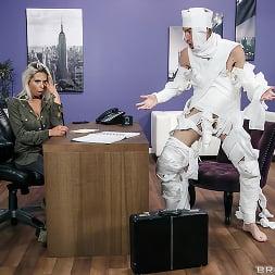 Rachel RoXXX in 'Brazzers' The Office Mummy (Thumbnail 10)