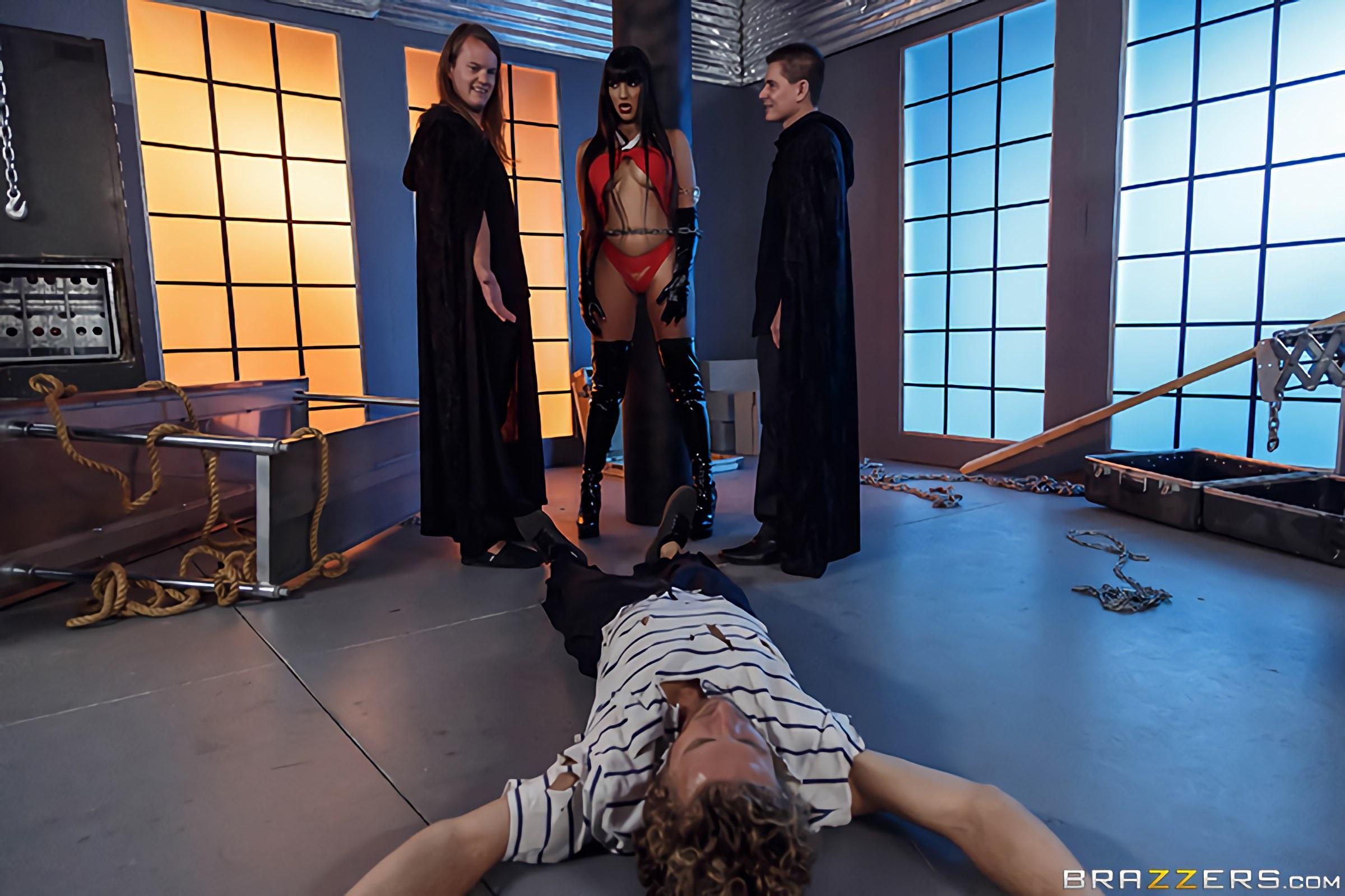Brazzers 'Vampirella- A XXX Parody' starring Mercedes Carrera (Photo 1)