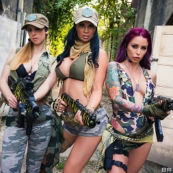 Monique Alexander in 'Brazzers' Cock Of Duty- A XXX Parody (Thumbnail 6)