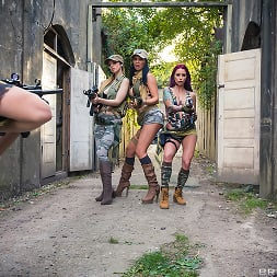 Monique Alexander in 'Brazzers' Cock Of Duty- A XXX Parody (Thumbnail 14)