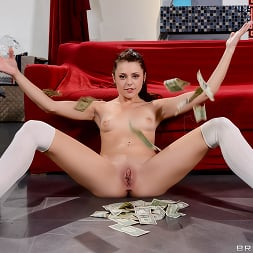 Megan Sage in 'Brazzers' Shake Your Money Maker (Thumbnail 5)
