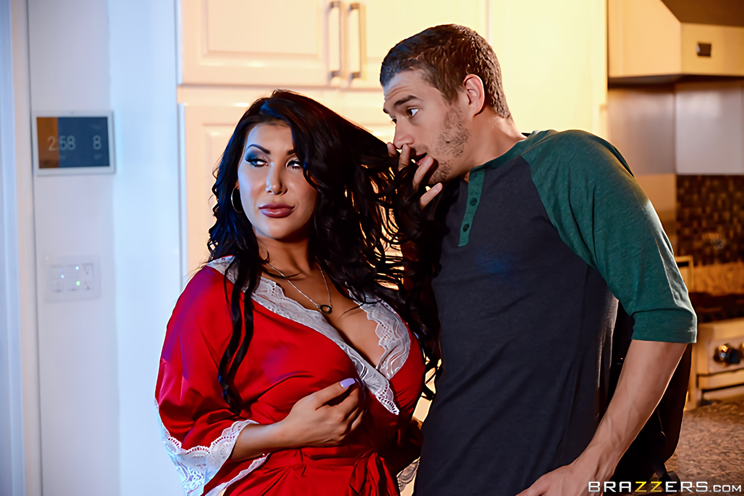 Brazzers 'My Husbands Best Friend' starring August Taylor (Photo 10)