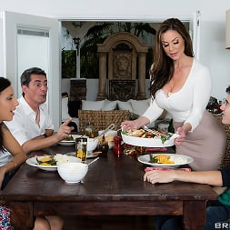 Kendra Lust in 'Brazzers' Kendras Thanksgiving Stuffing (Thumbnail 6)