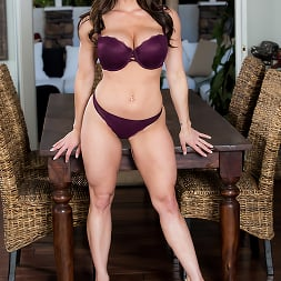 Kendra Lust in 'Brazzers' Kendras Thanksgiving Stuffing (Thumbnail 8)