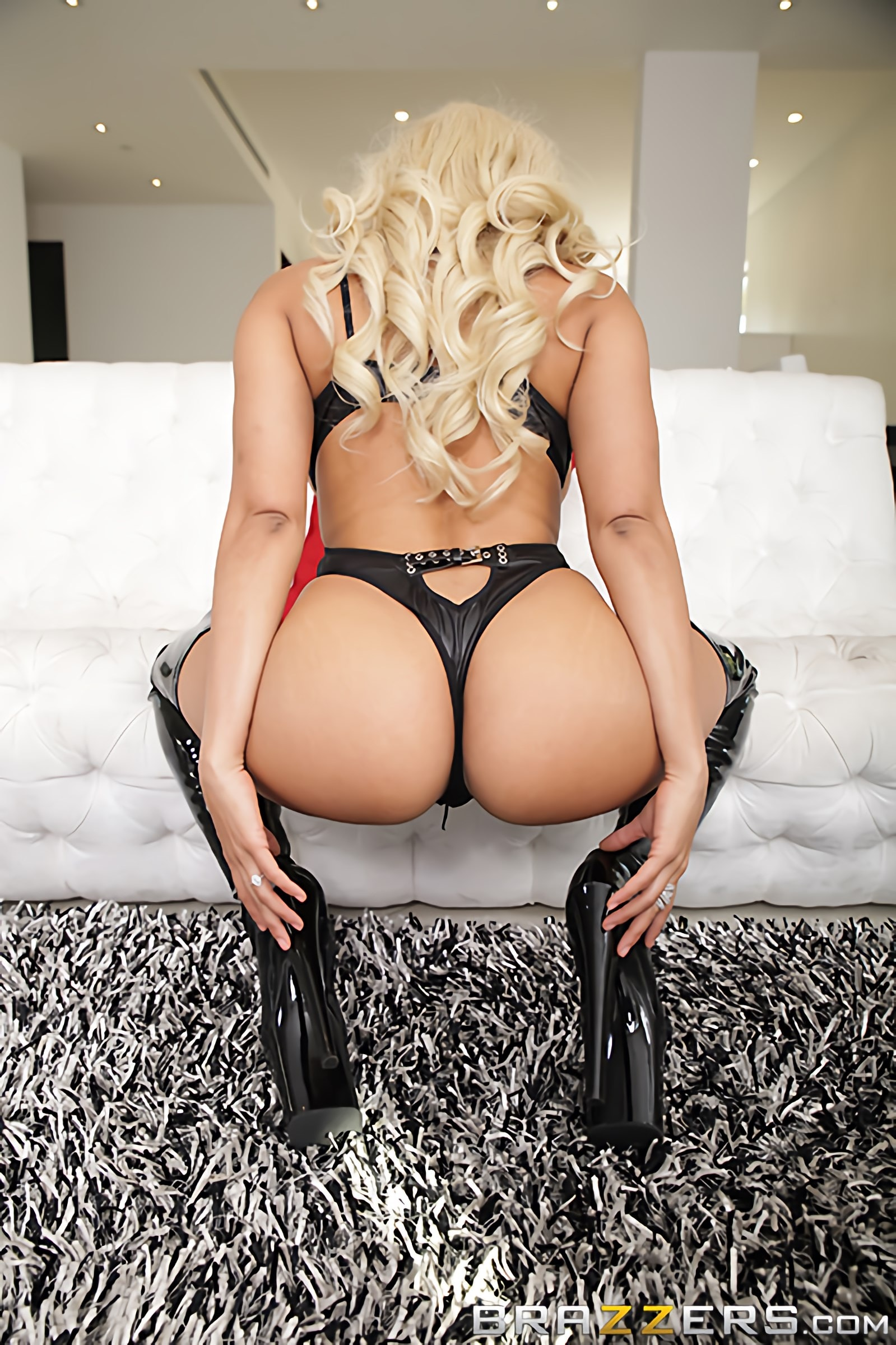 Brazzers 'Shes Not What He Expected' starring Luna Star (Photo 8)
