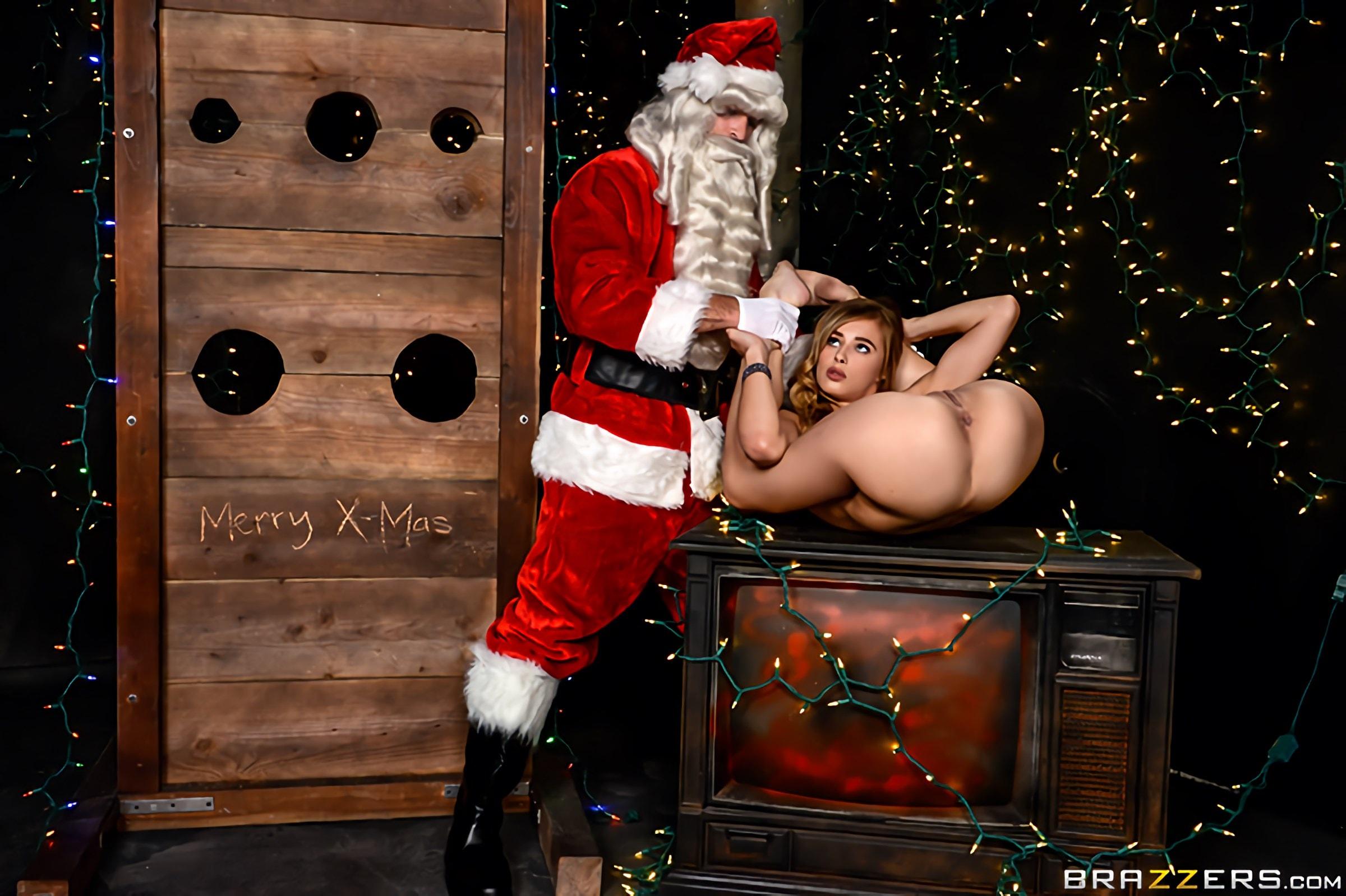 Brazzers 'A Brazzers Christmas Special - Part 3' starring Jillian Janson (Photo 1)