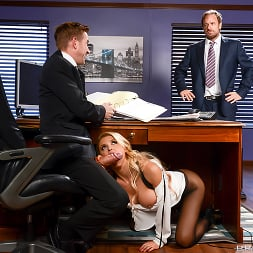 Alix Lynx in 'Brazzers' Daddys Hardest Worker (Thumbnail 2)