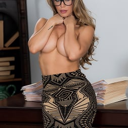 Nicole Aniston in 'Brazzers' Team Player (Thumbnail 8)