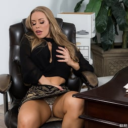 Nicole Aniston in 'Brazzers' Team Player (Thumbnail 11)
