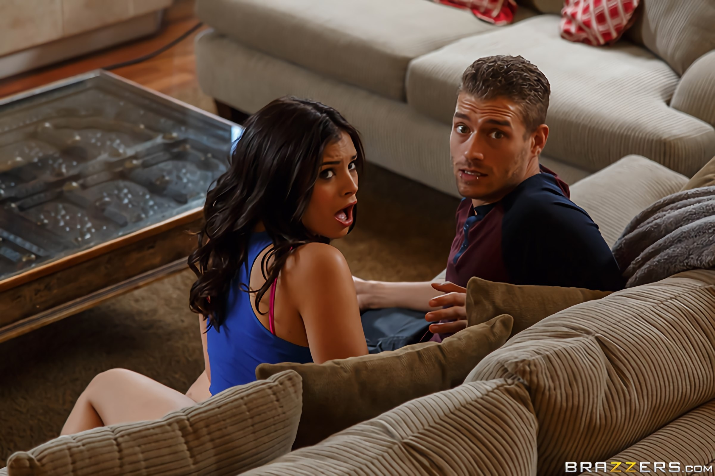 Brazzers 'Sharing the Siblings- Part 1' starring Lyra Law (Photo 14)