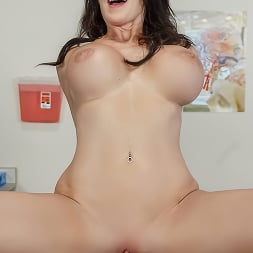 Reagan Foxx in 'Brazzers' My Husband Is Right Outside (Thumbnail 4)