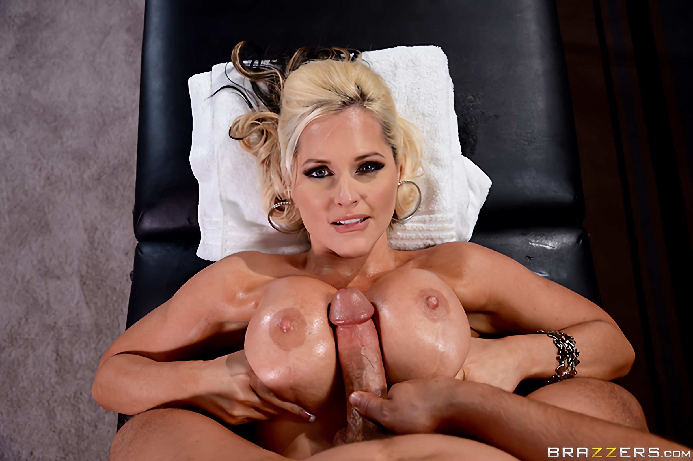 Brazzers 'Oiling A Whore' starring Alena Croft (Photo 11)