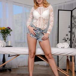 Britney Amber in 'Brazzers' Holistic Healing (Thumbnail 8)