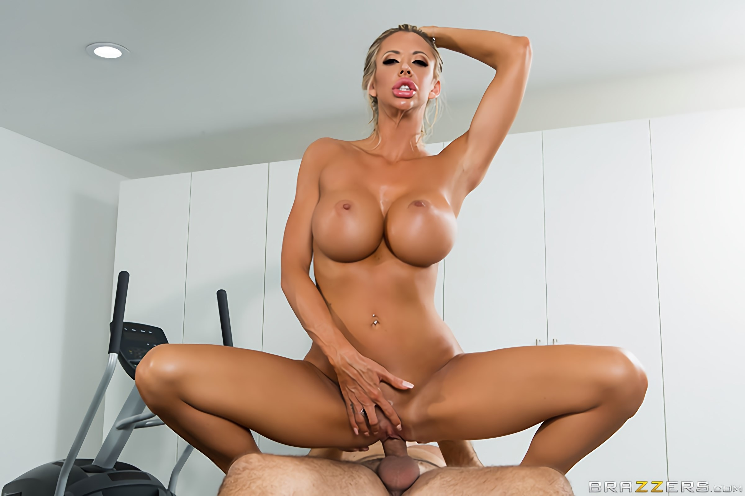 Brazzers 'Stress Buster' starring Courtney Taylor (Photo 4)