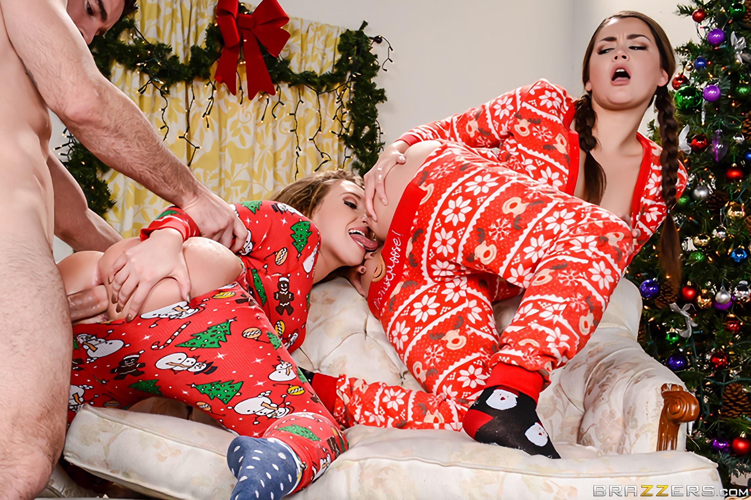 Brazzers 'Anal Xmas' starring Allie Haze (Photo 4)