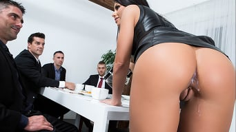 Adriana Chechik in 'The Dinner Party'