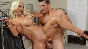 Nicolette Shea in 'Off The Rack'