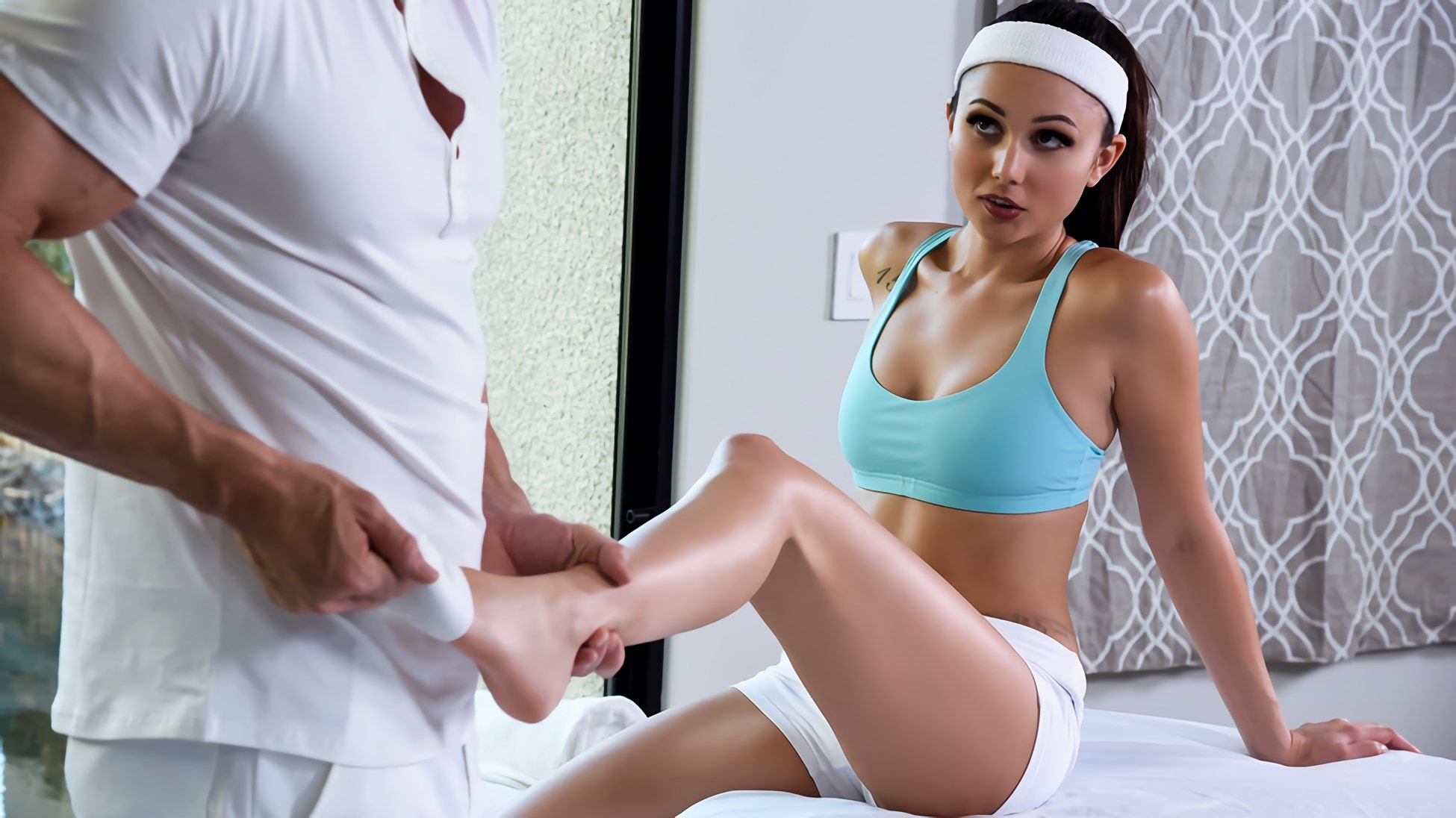 Brazzers 'Riding That Endorphin High' starring Ariana Marie (photo 6)