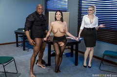 Angela White - Full Service Banking (Thumb 05)