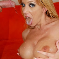 Lexi Lamour in 'Brazzers' Busty Blonde Milf Lexi Lamour (Thumbnail 15)