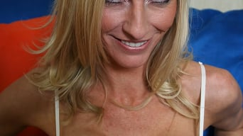Emma Starr in 'Busty blonde milf Emma Starr'